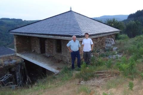 Venta casa típica de piedra en A Cortella - Becerreá, con excelentes vistas a la cuenca del río Donsal y Os Ancares